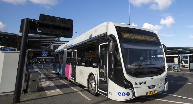 Fleet of electric buses around Schiphol | De Ingenieur