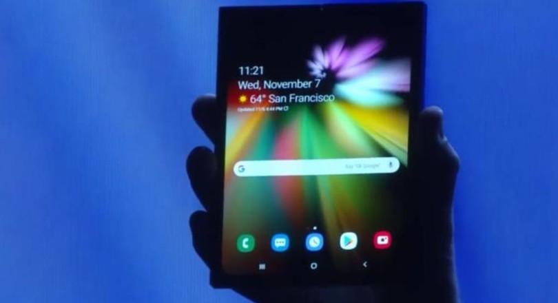 fc8b6ab7955 Op een jaarlijkse conferentie voor programmeurs presenteerde Samsung  gisteren in San Francisco een opvouwbare mobiele telefoon/tablet.