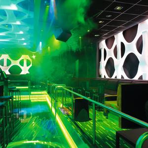 Van der Heide maakt ook lichtplannen voor binnenruimtes, zoals de Purple Ultralounge in het Rotterdamse Holland Casino (foto Holland Casino).