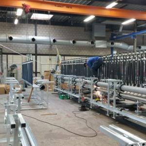 Opbouw van de vriesinstallatie voor de vloer.