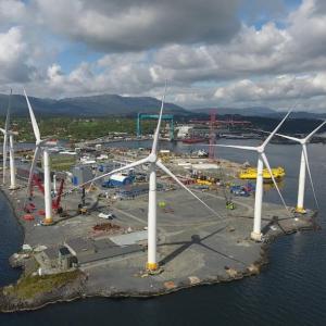De Siemensturbines staan klaar op land. Foto Statoil.